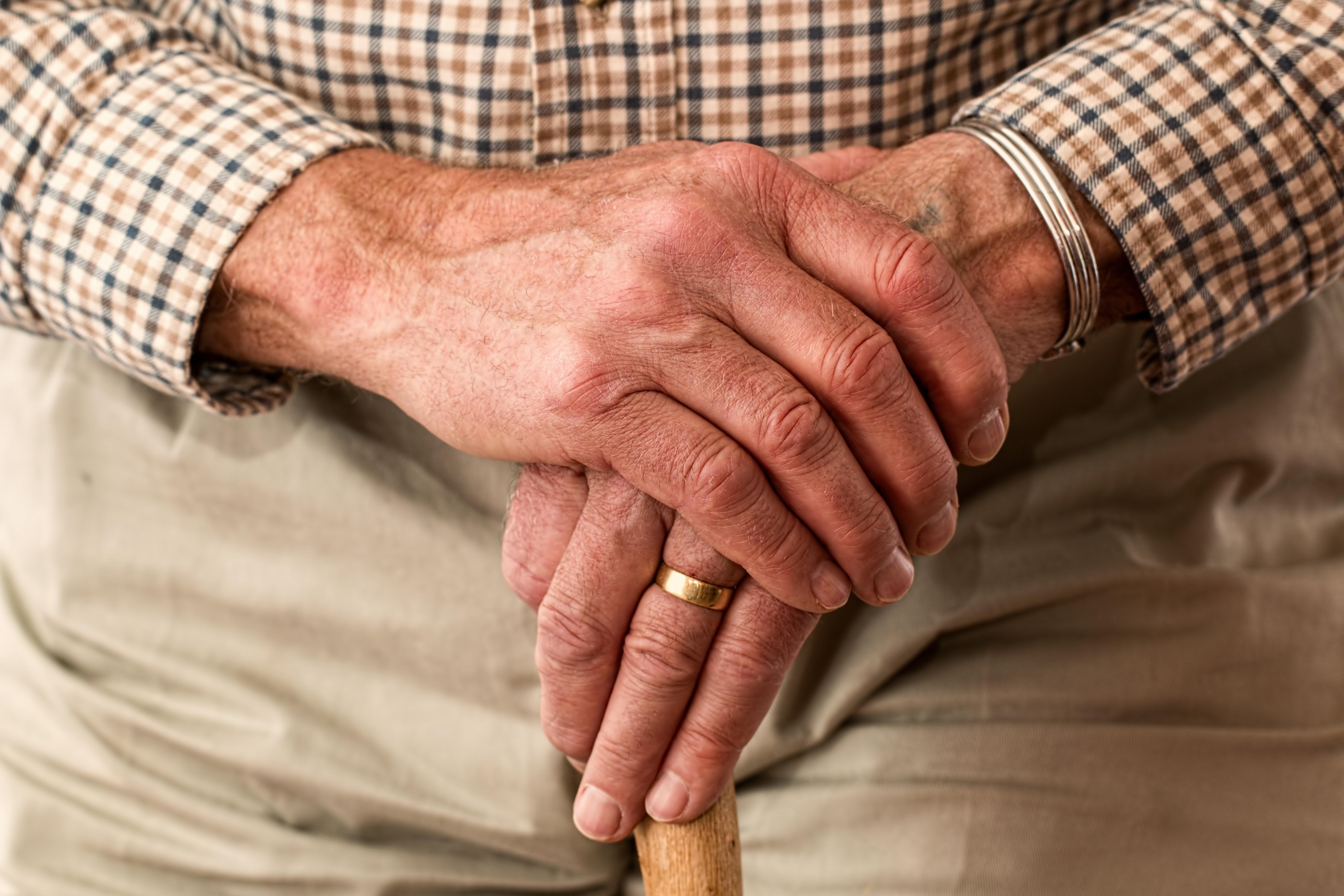 Polityka senioralna - opieka nad osobami starszymi, seniorzy w Polsce (15)
