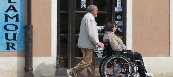 Starzenie się zmienia swój charakter, potrzeby opiekunów osób starszych również