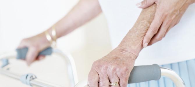 Seniorzy w systemie wsparcia – usługi opiekuńcze