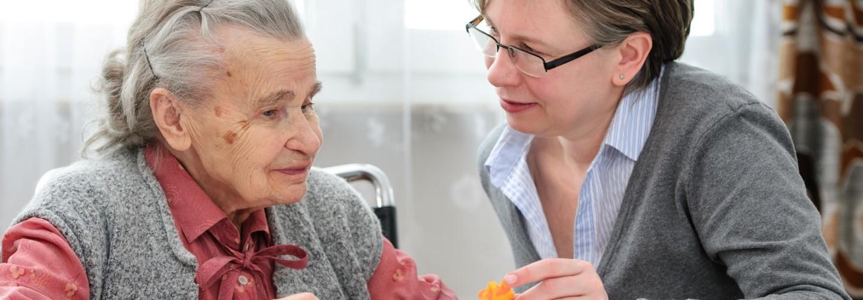 Zasady pracy socjalnej z osobami starszymi w teorii i praktyce